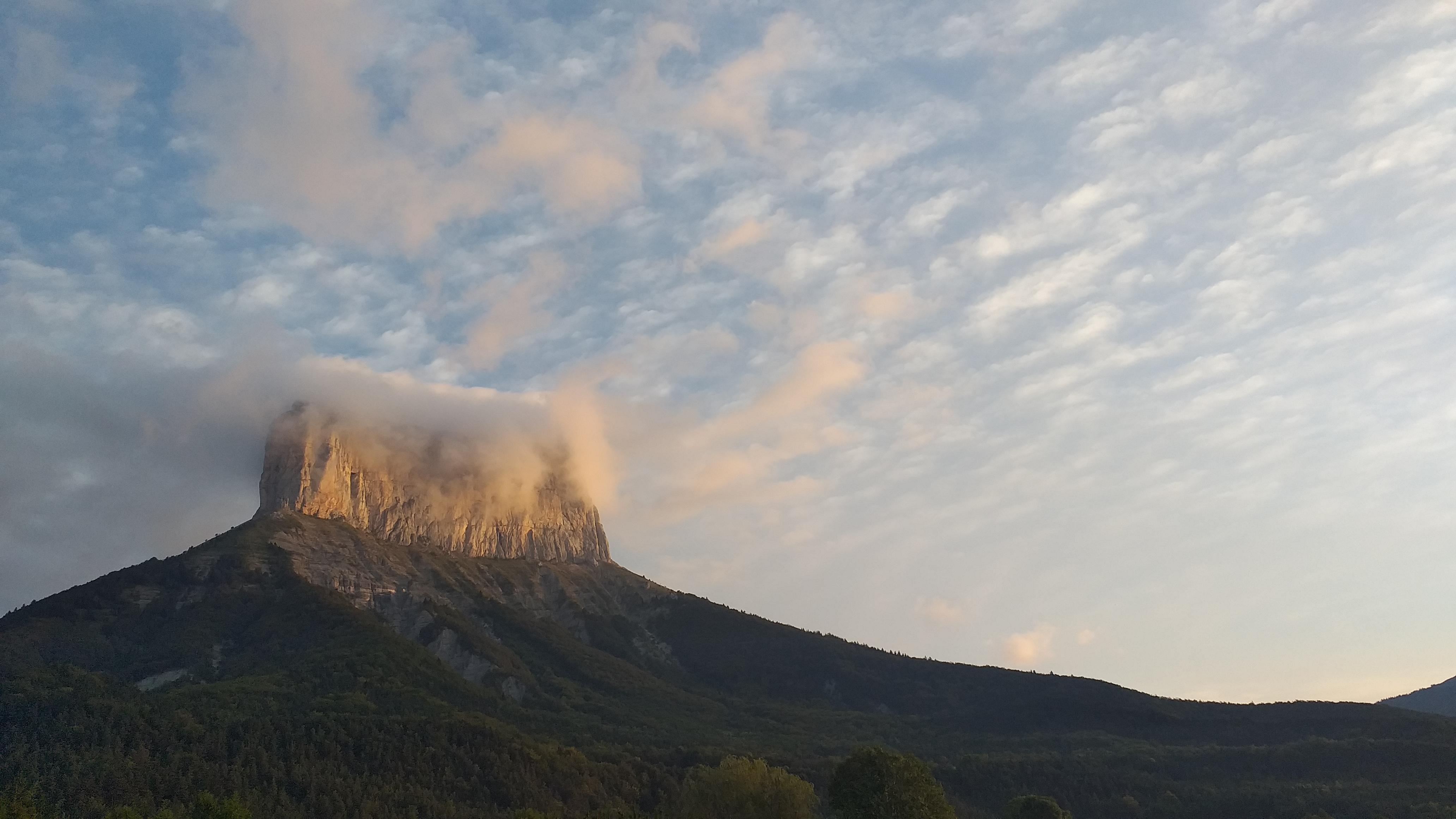 Mont Aiguille in het ochtendlicht